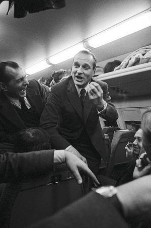 Mars 1975. Jacques Chriac est Premier ministre. Il aime déjà plaisanter avec les journalistes.