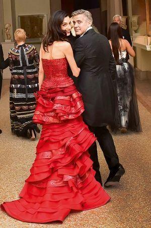 Amal et George Clooney, lors de la soirée de gala du Met, le 4 mai dernier.