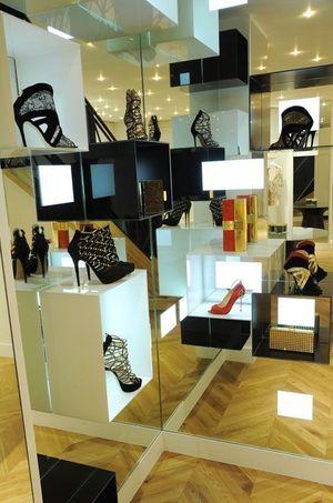 Quelques accessoires exposés au showroom parisien du créateur.