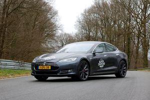 La Tesla Model S P85D que nous avons essayée sur le circuit de Marcoussis, dans l'Essonne.