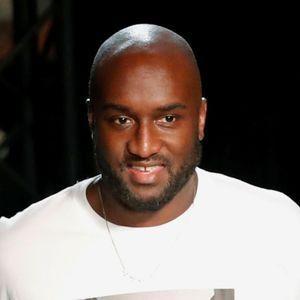 Virgil Abloh entouré de stars pour le défilé Louis Vuitton à
