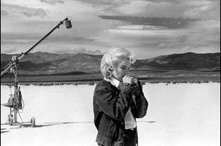 Marilyn Monroe sur le tournage du film «Les désaxés», de John Huston.