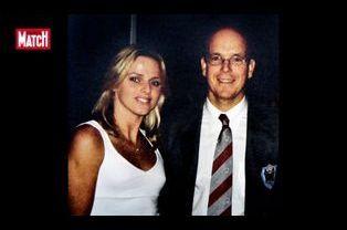 La première photo d'Albert et Charlene ensemble, en 2001, au Mare Nostrum de Monaco.