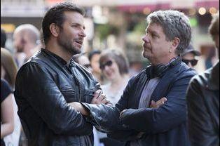 Bradley Cooper et le réalisateur John Wells