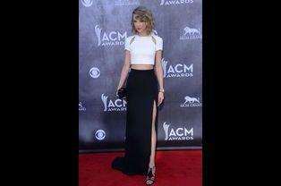 Taylor Swift en J. Mendel aux ACM Awards, en avril 2014