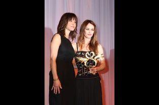 Avec Sophie Marceau en juin 2012. Vanessa Paradis recevait le Swann d'honneur au Festival de Cabourg.