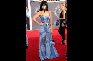 Katy Perry sur le tapis rouge des MTV Video Music Awards, Los Angeles, août 2014