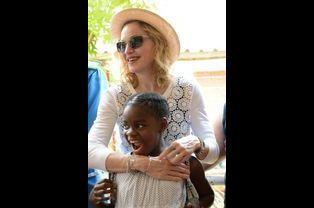 Madonna en mission humanitaire au Malawi, le 27 novembre 2014