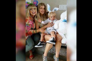 Une fête des mères sur trois générations pour Fergie, sa mère et son fils