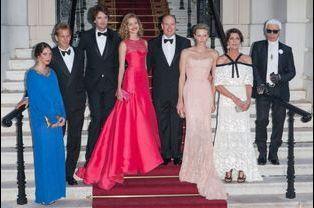 Natalia Vodianova, Antoine Arnault, Albert, Charlène, Caroline, Andrea, Tatiana et Karl Lagerfeld