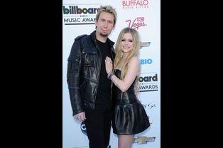 """Lorsqu'elle fait appel à Chad Kroeger du groupe """"Nickelback"""" pour son dernier album, Avril Lavigne ne se doute certainement pas qu'elle se fiancera..."""