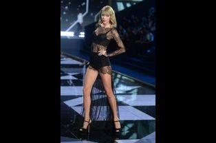 Taylor Swift et ses jambes tout juste estimées à 40 millions de dollars