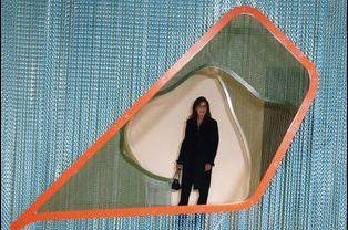 """1 La Princesse Caroline De Monaco À L'exposition """"Construire Une Collection"""""""