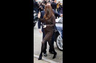 1 La Duchesse De Cambridge, Née Kate Middleton, En Visite Dans Une Association De Familles D'accueil