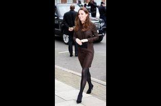 3 La Duchesse De Cambridge, Née Kate Middleton, En Visite Dans Une Association De Familles D'accueil