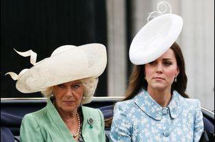 Les duchesses Camilla et Kate Middleton à la cérémonie Trooping the Colour à Londres, à l'occasion de l'anniversaire de la reine Elizabeth