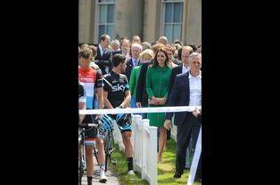 Kate s'avance vers la ligne de départ