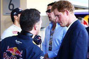 Le prince Harry avec Christian Horner au Grand Prix de Formule 1 à Abou Dhabi, le 23 novembre 2014
