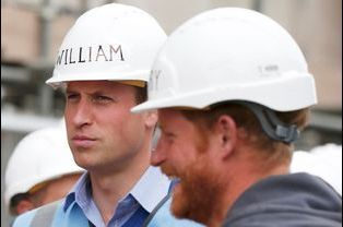 Les princes William et Harry à Manchester, le 23 septembre 2015