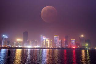 Les beautés de l'éclipse totale de Lune