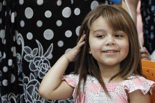 Alexandra, une perruque pour faire oublier la maladie