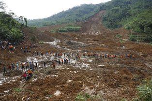 Glissement de terrain mortel à Java