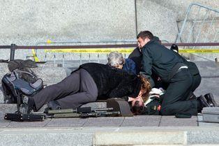 Scènes de guerre à Ottawa
