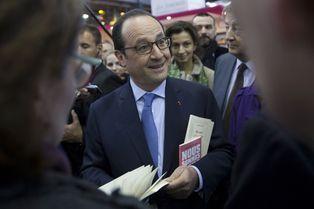 François Hollande, visite au Salon du Livre