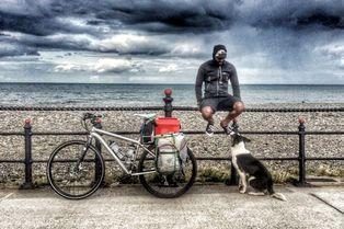 Il abandonne tout pour un road-trip avec son chien
