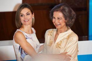 Letizia couronne l'engagement de sa belle-mère Sofia