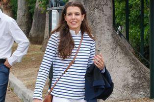 Comme Kate, Charlotte Casiraghi opte pour la marinière
