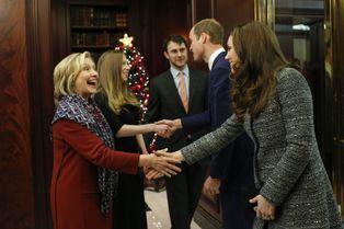 Hillary Clinton et sa fille Chelsea reçoivent les Cambridge
