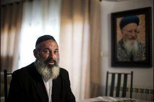 Avraham Sinai, un ancien agent double du Hezbollah converti devenu rabbin