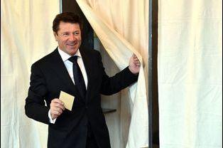 Christian Estrosi a voté à Nice pour le premier tour des élections départementales