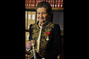 Simone Veil en habit d'académicienne, en mars 2010