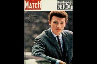 Johnny Hallyday pour la couverture du numéro 693, le 21 juillet 1962