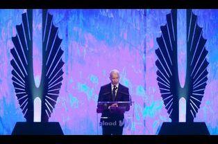 Le journaliste Anderson Cooper reçoit son prix