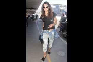 Le mannequin brésilien Alessandra Ambrosio à l'aéroport de Los Angeles, le 18 août 2014