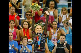 Championne olympique à Athènes, en 2004
