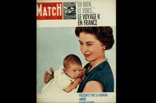 Le prince Andrew et Elizabeth II (N° 573 - 02 Avril 1960)