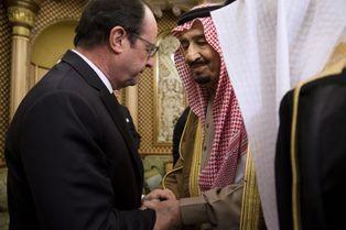Défilé de condoléances au roi Salman
