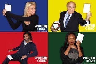 Pour la paix, les champions brandissent un carton blanc