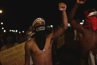 A Ferguson, la colère domine toujours