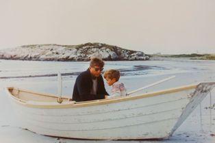 John F. Kennedy Jr, 15 ans déjà