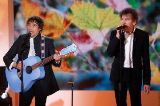 Alain Souchon et Laurent Voulzy invitent Johnny
