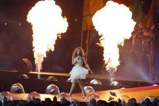 Kylie Minogue enflamme Glasgow