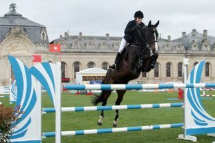 Charlotte franchit les obstacles à Chantilly