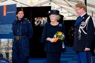 "Beatrix, ""superflic"" des Pays-Bas"