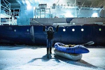 Après son expédition compliquée en Arctique, Mike Horn retrouve ses filles