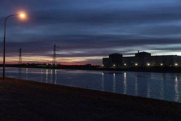 Nucléaire : La nuit tombe sur Fessenheim